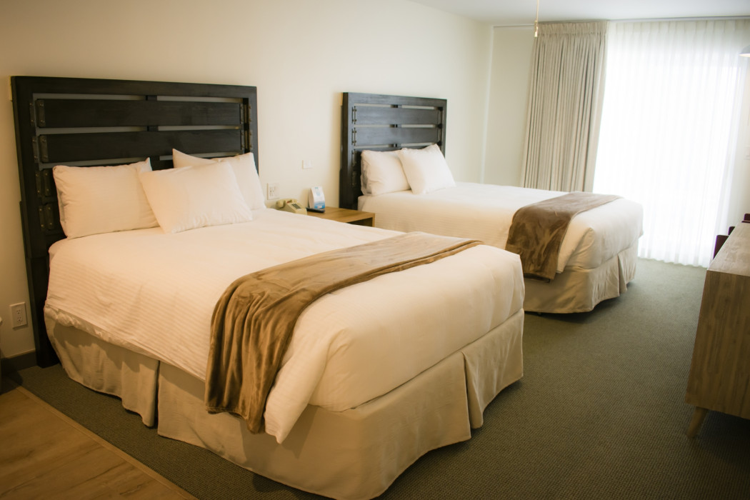 Two Queen West Wing - Motel Rooms