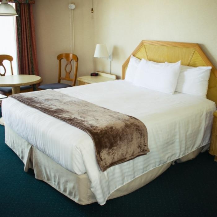 One Queen West Wing - Motel Rooms