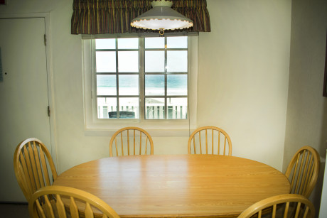 The Beach Cottage - Dinning Table